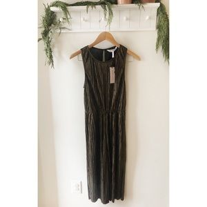 BCBG Gold Cropped Jumpsuit Size Extra Small